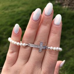 Perlový náramok z pravých riečnych perál s krížikom