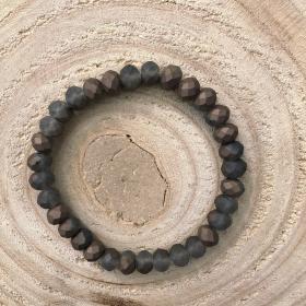 Krištáľový náramok šedo hnedý -  matný