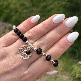 Krištáľový náramok čierny lesklý - prívesok kvet