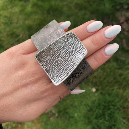 Helen náramok šedo strieborný - eko koža