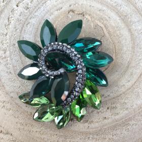 Brošňa elegantná zelená so Swarovski krištáľom
