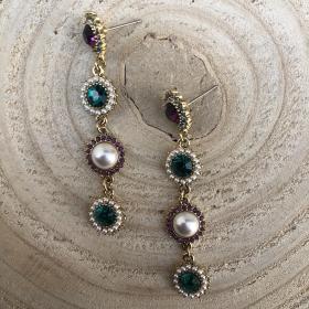 Náušnice Jenneth s bielymi perlami a farebným krištáľom