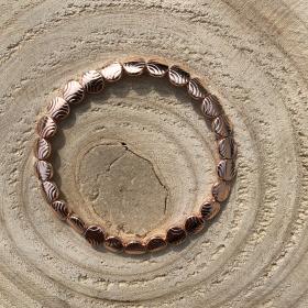Kovový náramok ružovo zlatej farby 2