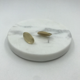 Náušnice matné zlaté napichovacie