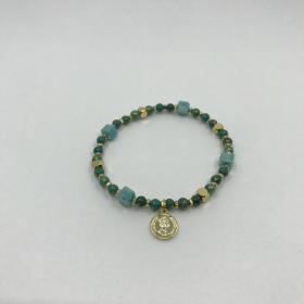 Náramok zelený z prírodných minerálov s príveskom zlatá minca